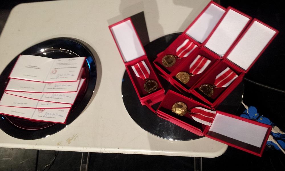 2015-11-07 5 Medali